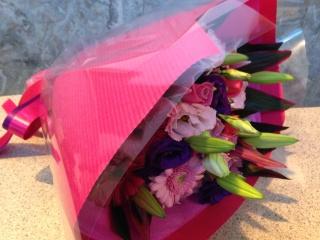 ピンク・ムラサキのグラマー花束(ブーケタイプ)