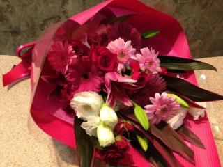 ピンクユリ・バラのストレート花束