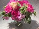 ピンクバラの上質アレンジメント(バロック花器)