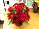 赤バラとガーベラのアレンジメント