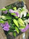 百合とトルコキキョウの花束(紫)