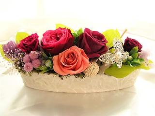 カシスベリーのバラのプリザブドフラワー