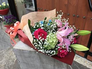 ユリのふんわり花束