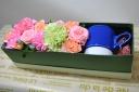 花と波佐見焼のマグをお母さんに・・ブルー