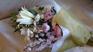 ユリ入り御供花束