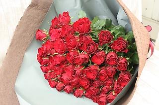還暦祝いの60本のバラ