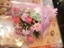 ピンク系のかわいい花束
