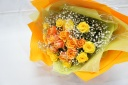 ビタミンカラーのばらの花束