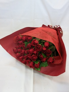 赤いバラの花束?美?