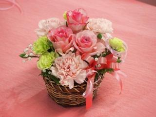 【ピンクのバラとカーネーションのアレンジ】