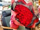 【99本の赤バラの花束】
