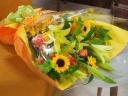 【イエローオレンジの豪華な花束】