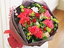 【ピンクのスプレーバラの花束】